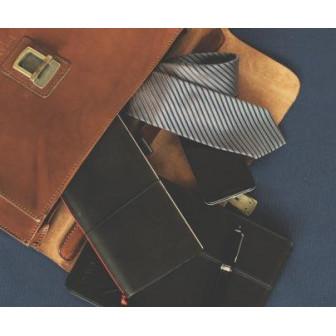 Как правильно выбрать мужской портфель